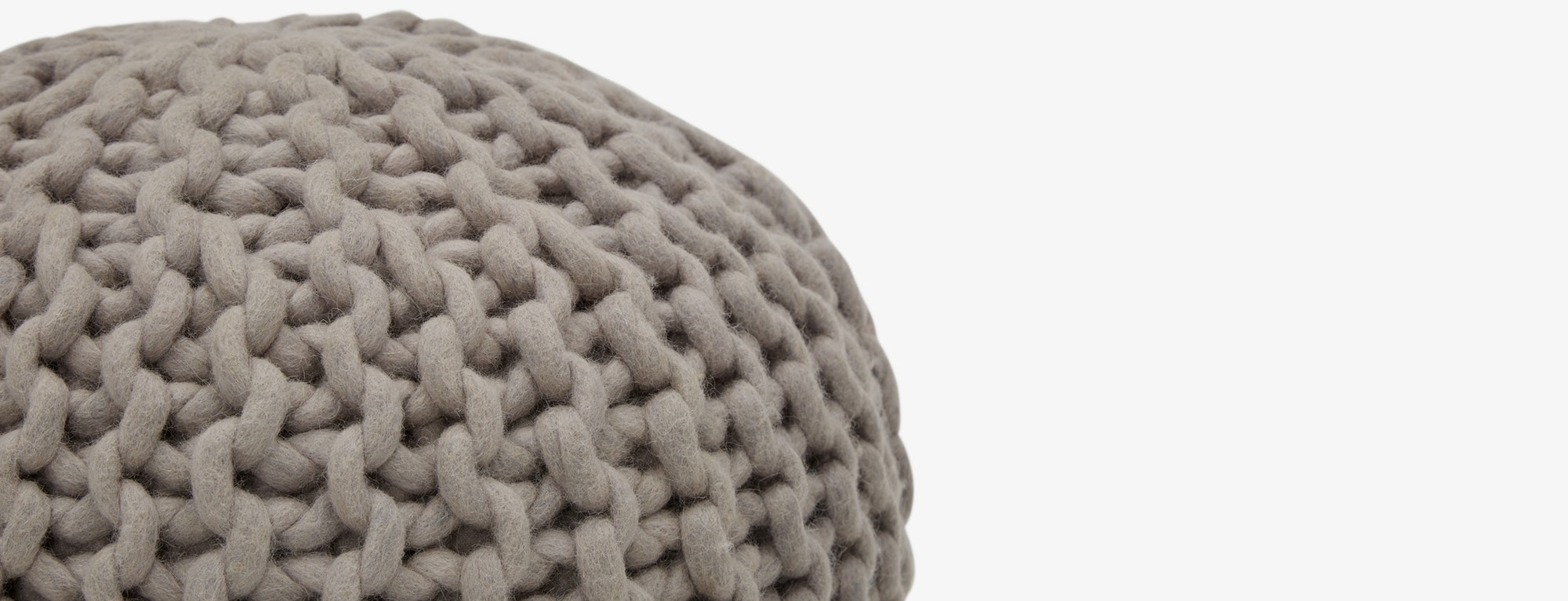 Riley-Grey-Pouf-T1-047