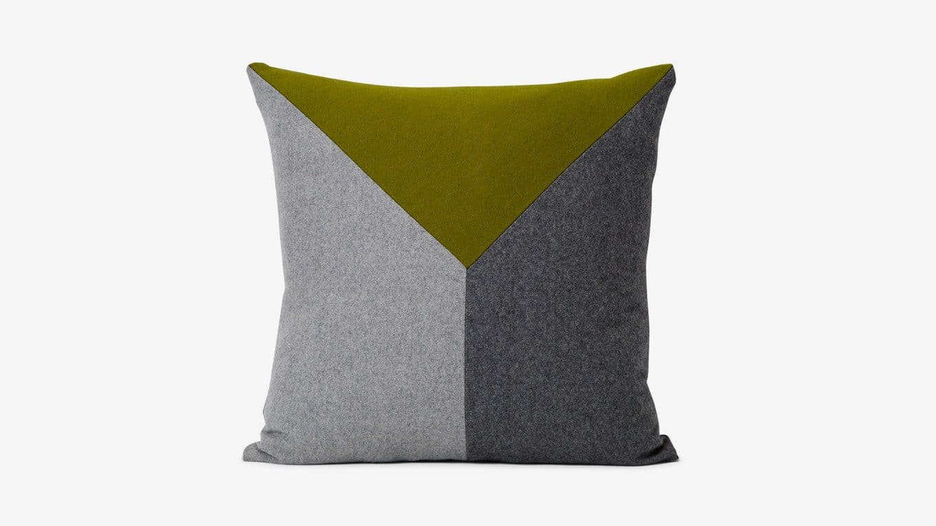Tucker-Pillow-T1-154